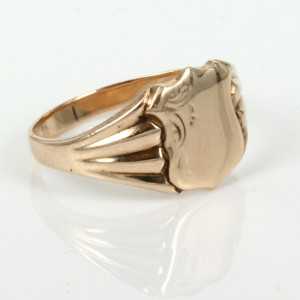 Antique signet ring by Rodd