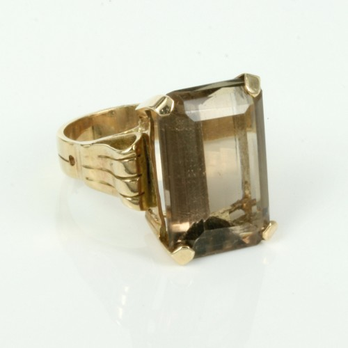 1950's era Retro smoky quartz ring.