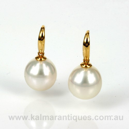 18ct South Sea pearl earrings