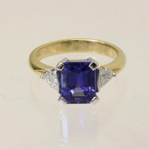 Stunning tanzanite and diamond ring.