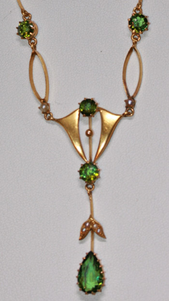 15ct green tourmaline necklace