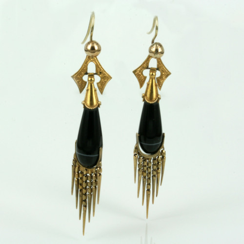 Stunning antique onyx earrings in 15ct gold.