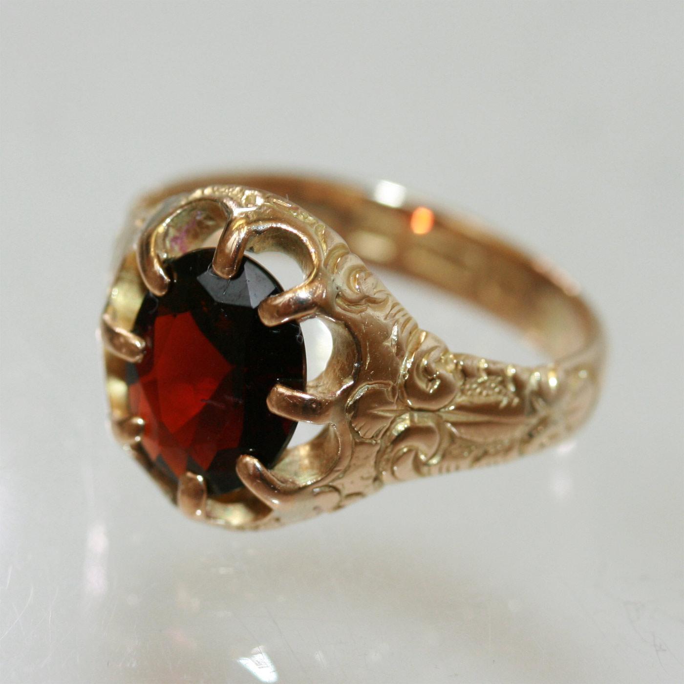 Buy Victorian Garnet Ring Sold Items Sold Rings Sydney