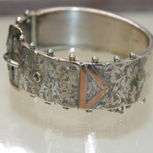 Antique Victorian sterling silver bangle.